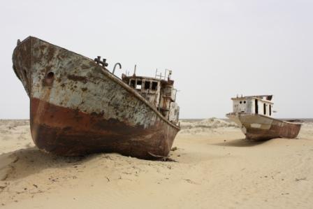 Moynaq vers la mer d'Aral